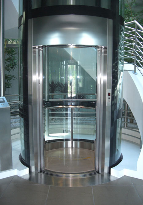 modern-elevator-in-glass-and-steel